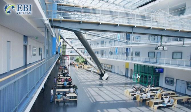 Bên trong Đại học Tổng hợp Kỹ thuật Munich (TUM)