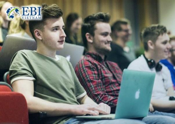 Sinh viên ngành toán tin đại học tổng hợp Mannheim