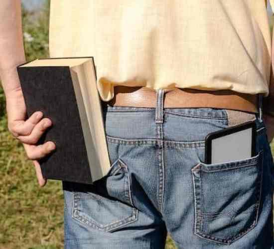 iPad-Schulter: Schmerzen und Beschwerden durch Tablet-Nutzung möglich (c) Apple
