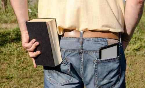 PocketBook CAD Reader Flex - flexibler Riese (c) PocketBook