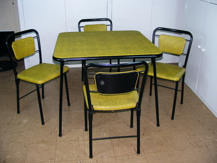 Vintage Cosco fashionfold Chairs and Folding Card Table