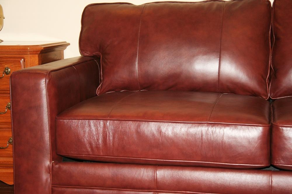 Havertys Leather Sleeper Sofa  EBTH