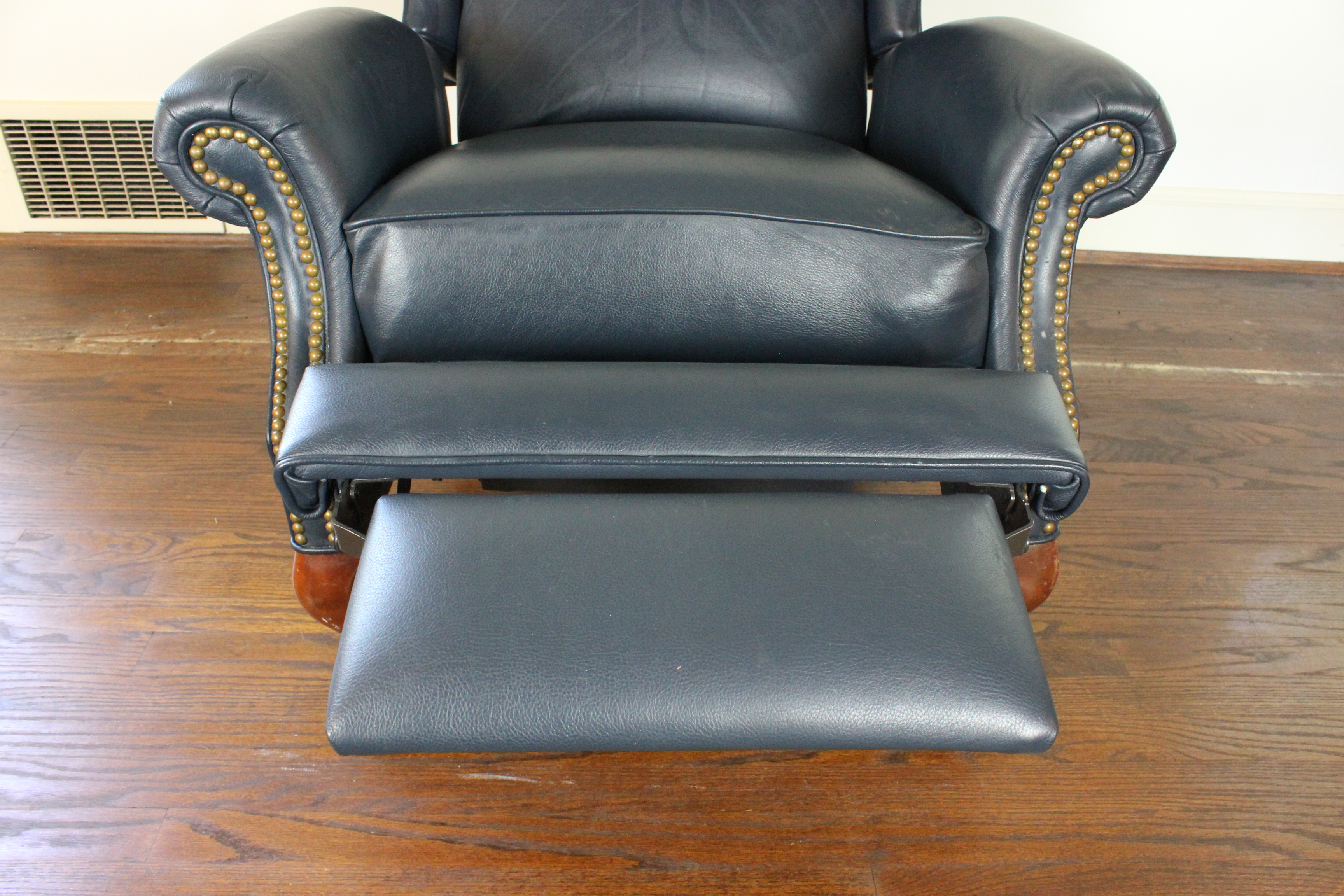 queen anne wingback chair leather cover alibaba style reclining ebth