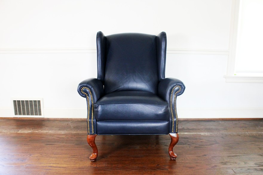 Queen Anne Style Wingback Leather Reclining Chair  EBTH