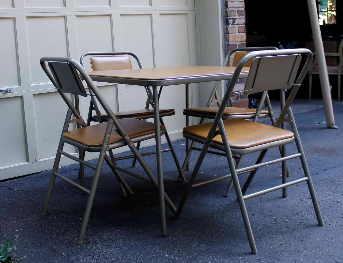 Vintage Samsonite Card Table With Chairs Ebth