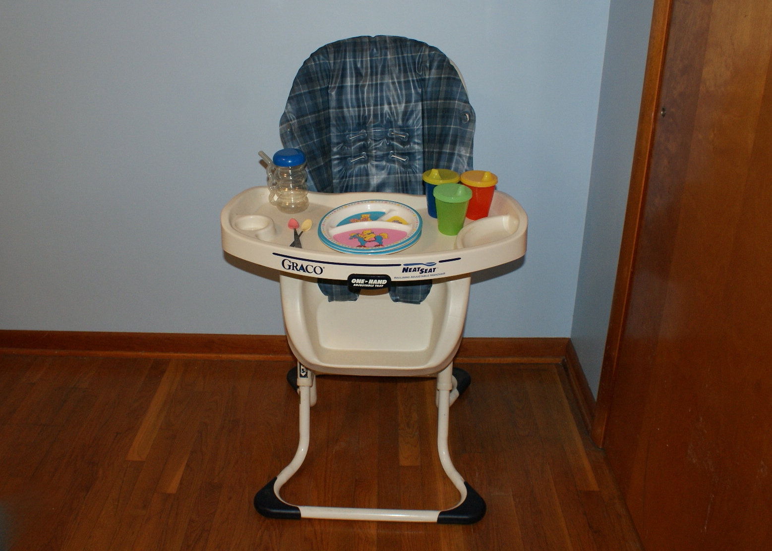 seat high chair easy chairs for the elderly graco neat reclining adjustable highchair ebth