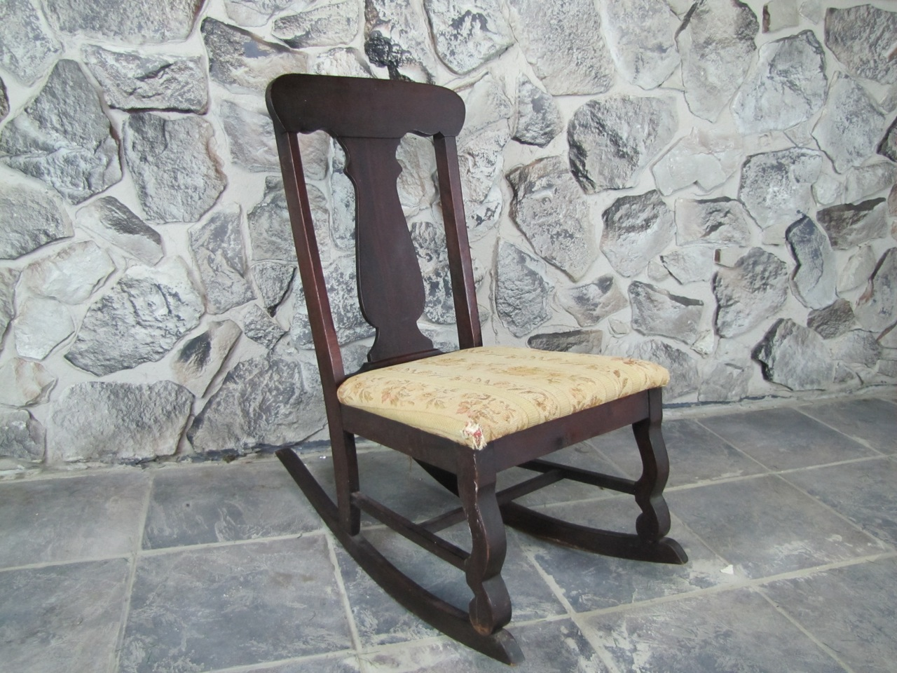 Small Rocking Chair Small Antique Nursing Rocking Chair Ebth