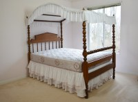 Antique Federal Style Pine 3/4 Canopy Bed Circa 1880s : EBTH