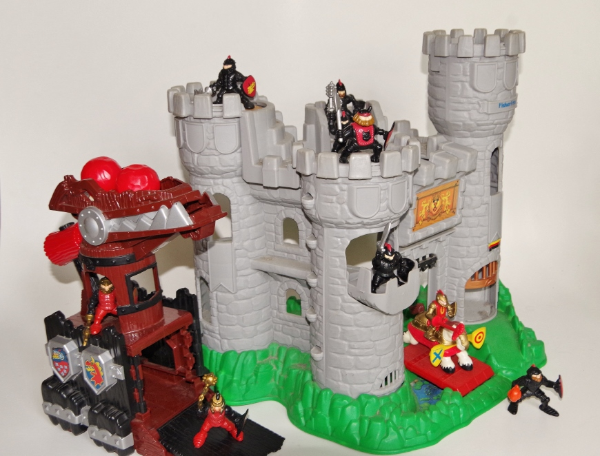 Fisher Great Adventures Castle With Warriors Ebth