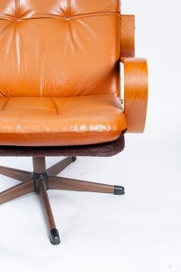 Mid Century Modern Tufted Leather Lounge Chair : EBTH