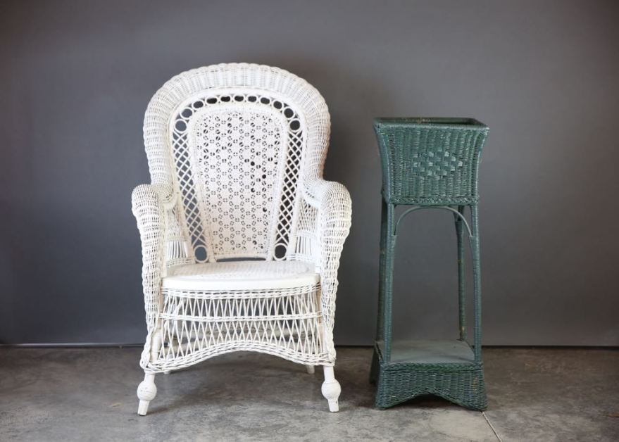 "Vintage White Wicker ""peacock"" Chair Ebth"