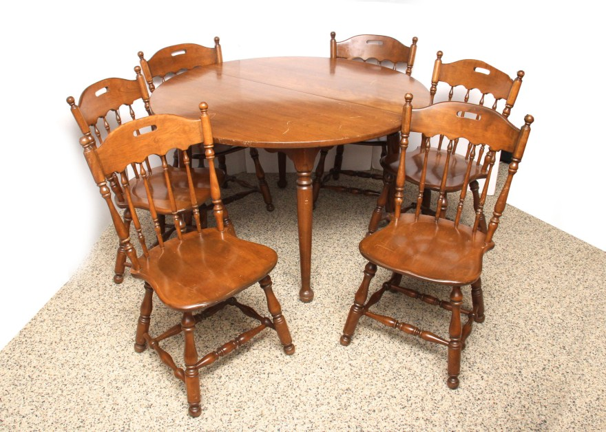 Ethan Allen Solid Oak Dining Table and Chairs  EBTH