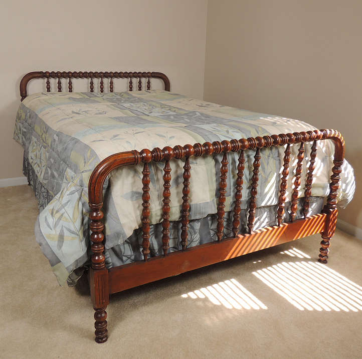 1940s Jenny Lind Spool Bed With Full Mattress And Boxspring Ebth