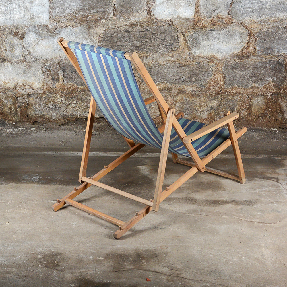 Vintage Striped Folding Beach Chairs Ebth