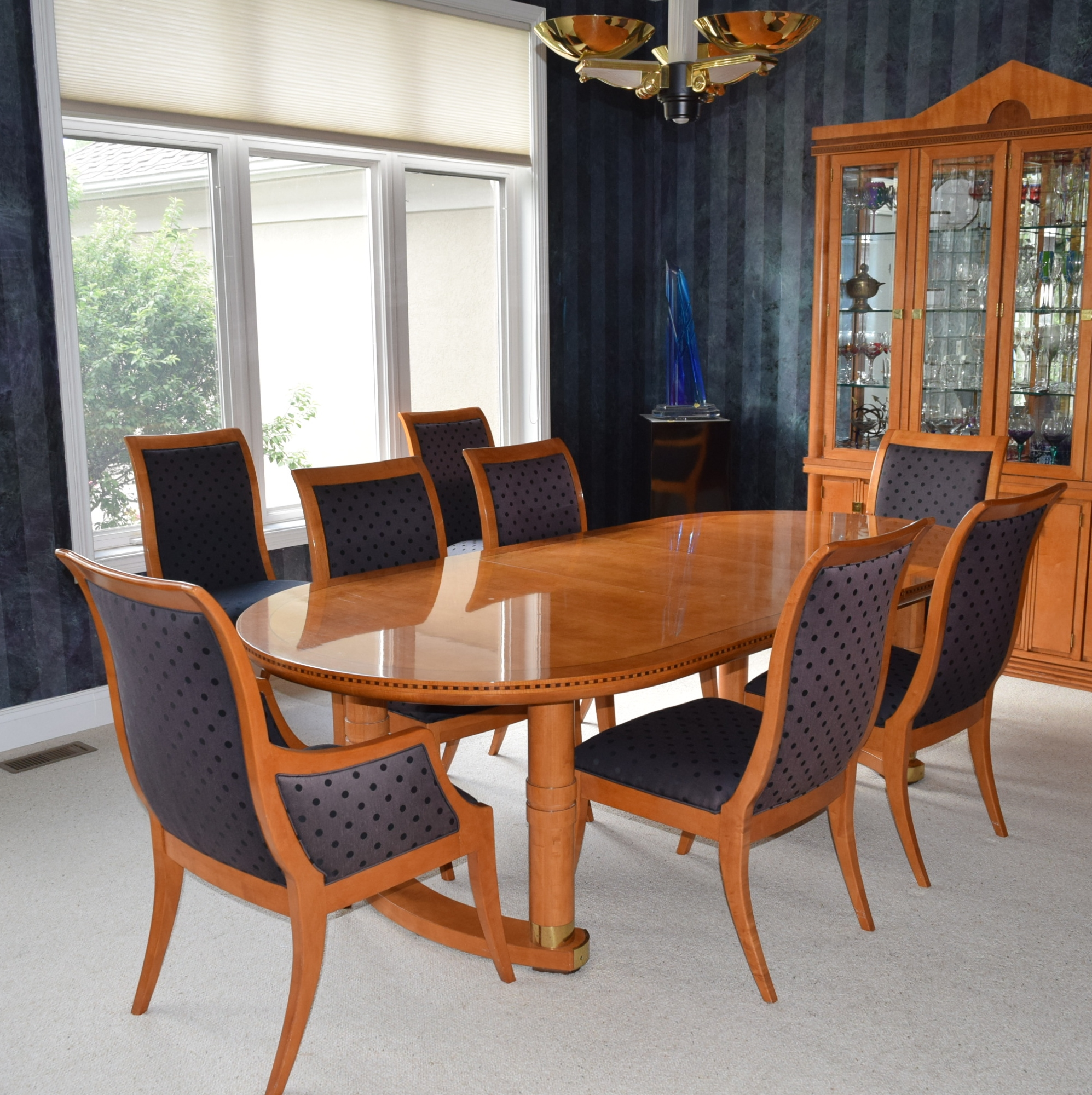 Hickory White 'genesis' Formal Dining Table With Eight