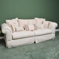 Cream Damask Upholstered Sofa : EBTH