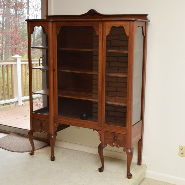 Lighted Curio Cabinet Walnut