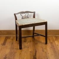 Antique Vanity Chair | Best 2000+ Antique decor ideas