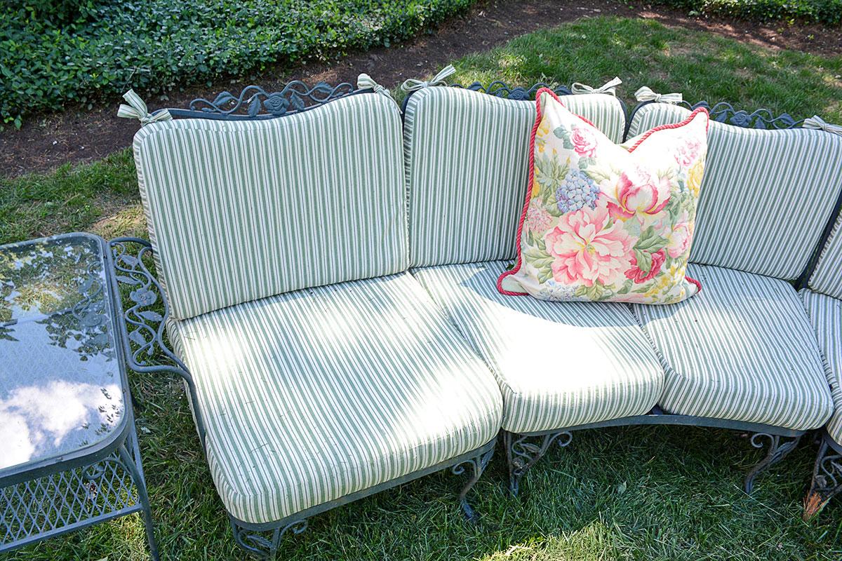 "Woodard ""chantilly Rose"" Patio Furniture With Brunschwig"