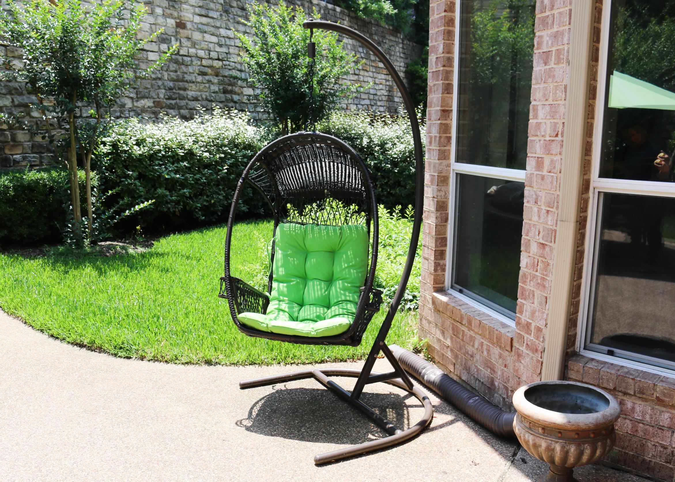 patio hanging egg chair kelly ripa ebth