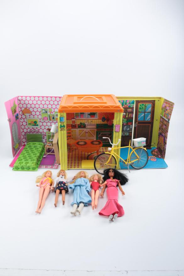 Vintage Barbie Country Living Home Play Set and Dolls  EBTH