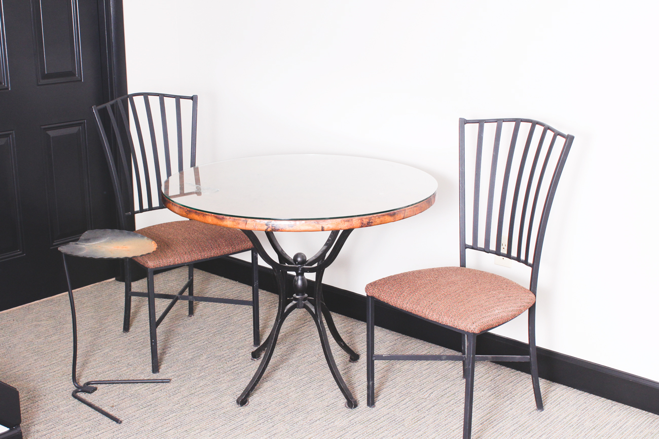 Arhaus Dining Chairs Arhaus Copper Top Table With Chairs Ebth
