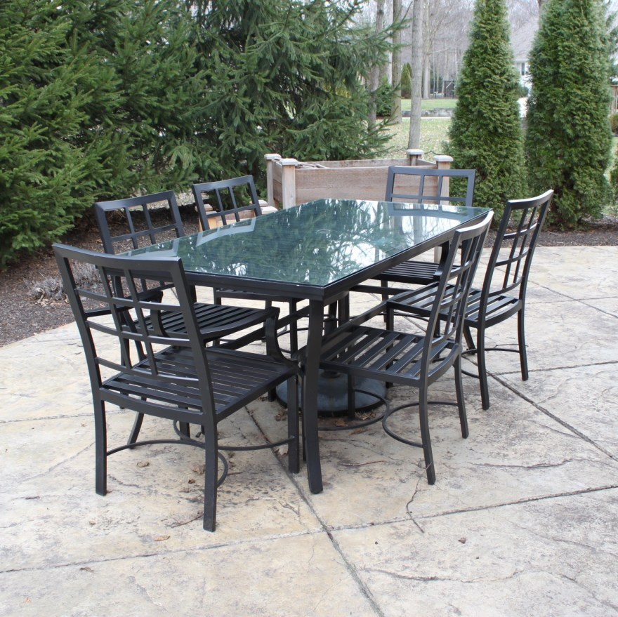 Pottery Barn Outdoor Table