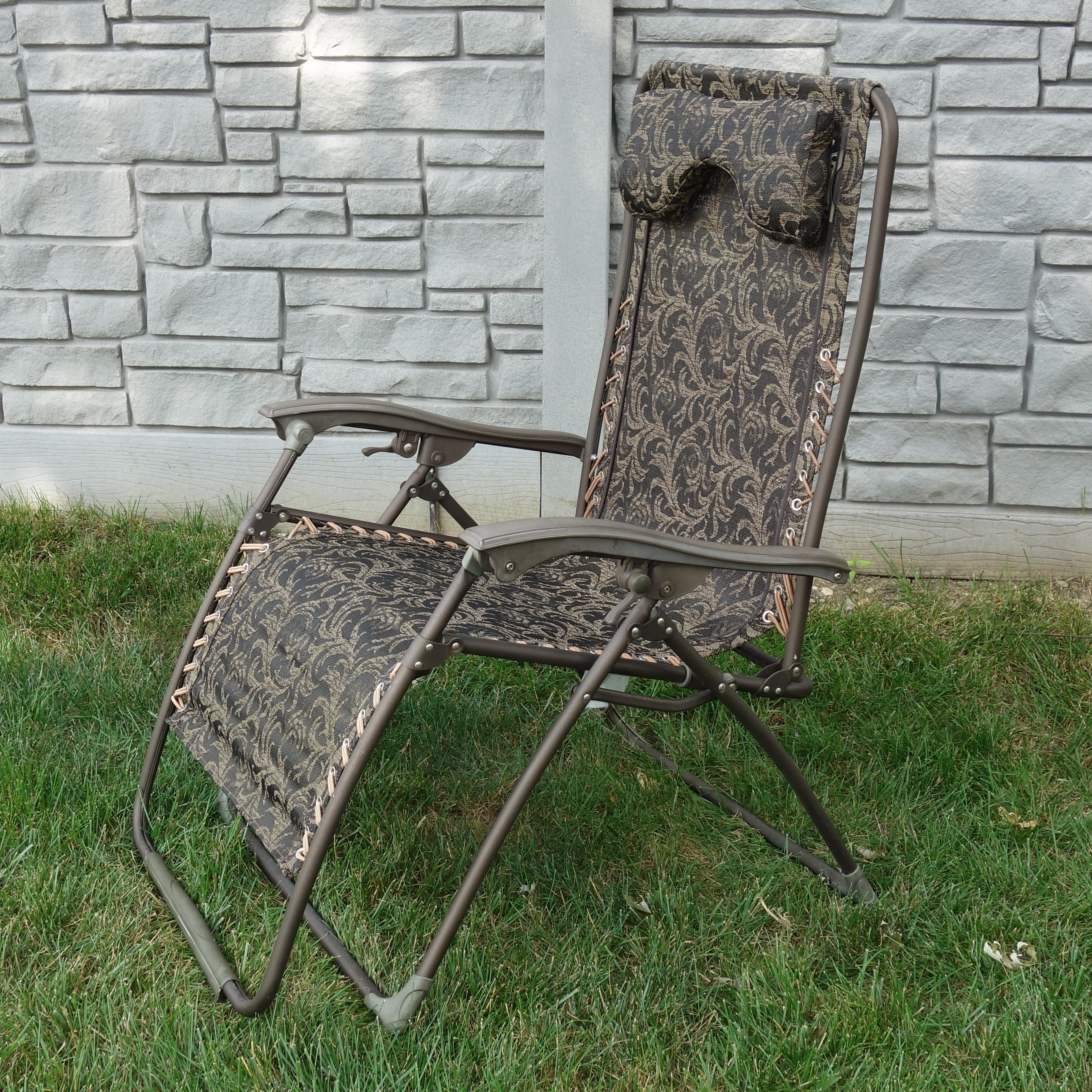 zero gravity patio chair xl bedroom chairs ireland frontgate reclining lawn ebth
