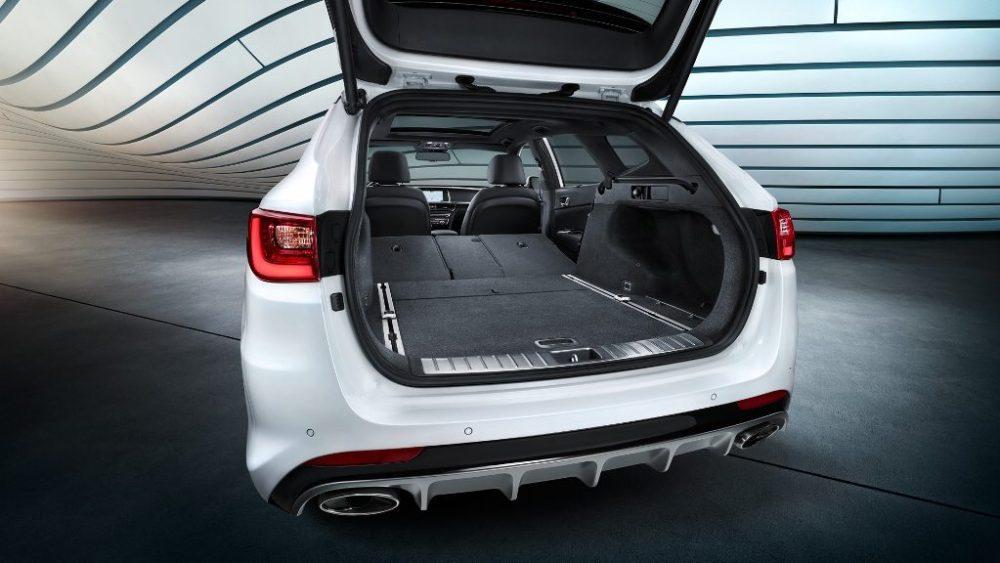 Kia Optima SW PHEV A Plug-In hybrid Electric Car ebuddynews 4