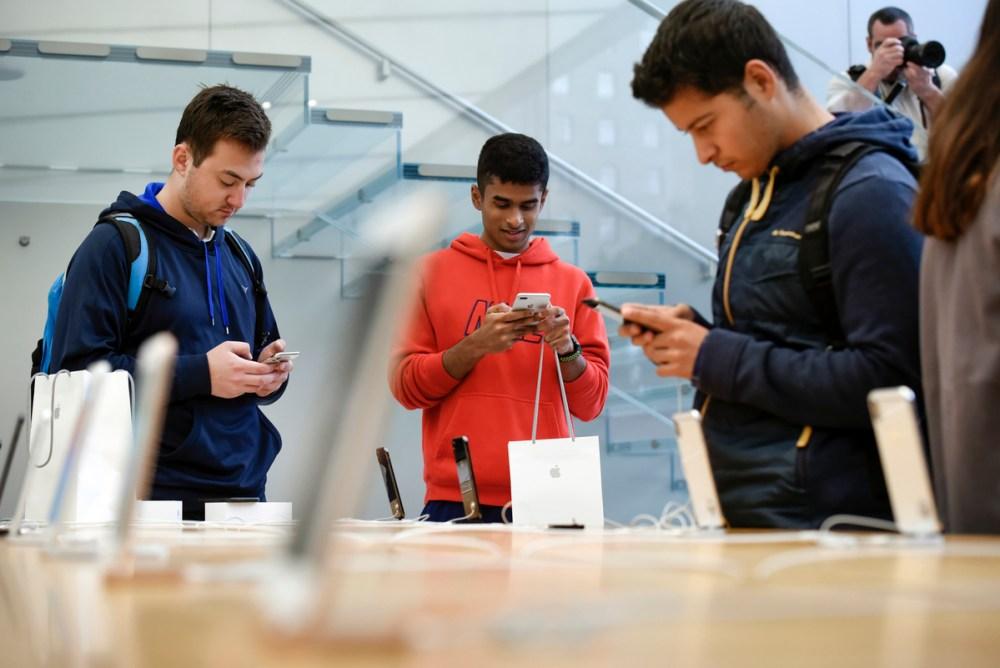 iPhone X Forecasts Downgrade By Analysts Due To Weak Demand ebuddynews