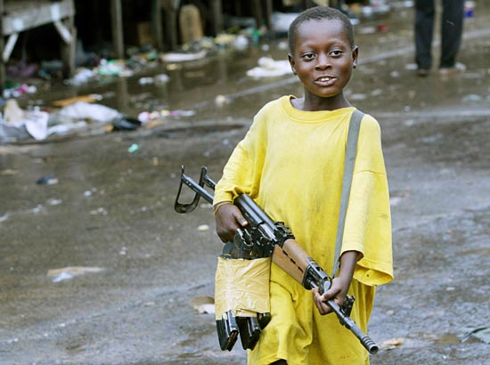 https://i0.wp.com/eburnietoday.mondoblog.org/files/2011/03/enfant_soldat_liberia.jpg