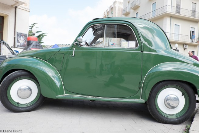 I don't know which model this one is but for sure, it shows Fiat used to produce great design