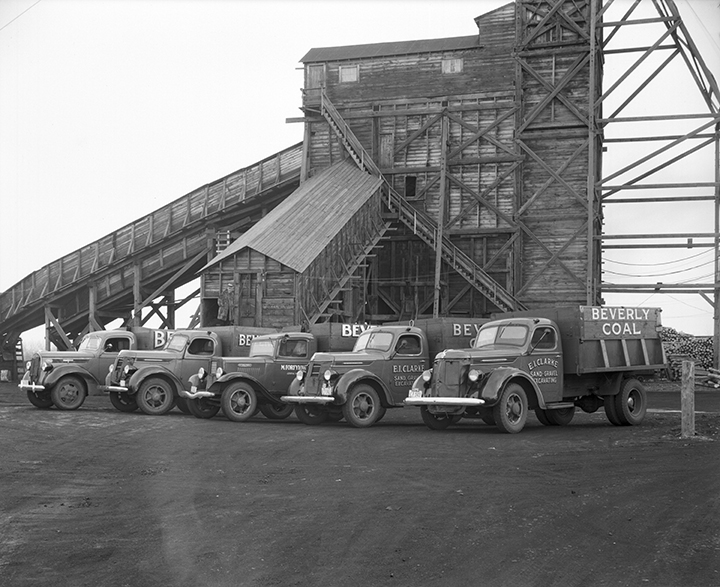 Coal Mining Trucks at the Beverly Coal Company c. 1937. Photographed by H.A. Hollingworth. Image courtesy of the City of Edmonton Archives EA-160-218.