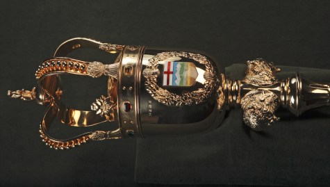 The New Legislature Mace, detail of the head of the mace. Image courtesy of the Alberta Legislative Assembly Office, 2016