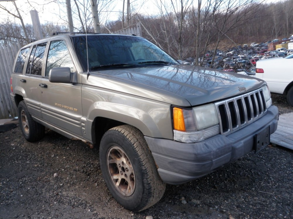 medium resolution of this jeep grand cherokee