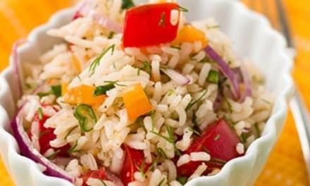 Insalata di riso con le verdure freschi
