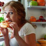 Come smettere di mangiare troppo?