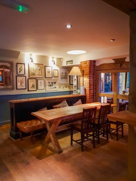 The Grantley Arms Wonersh Interior 2