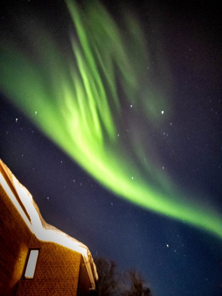 how to take pictures of northern lights with a phone