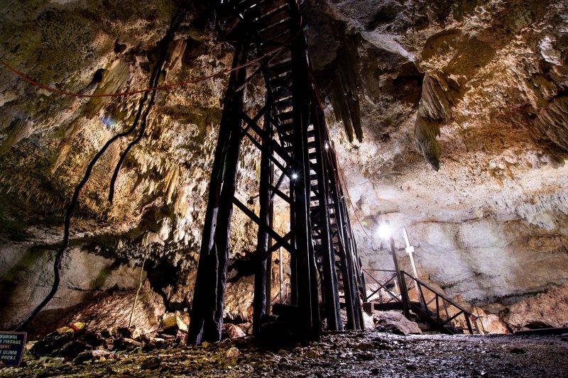 Cenote Choo-Ha stairs