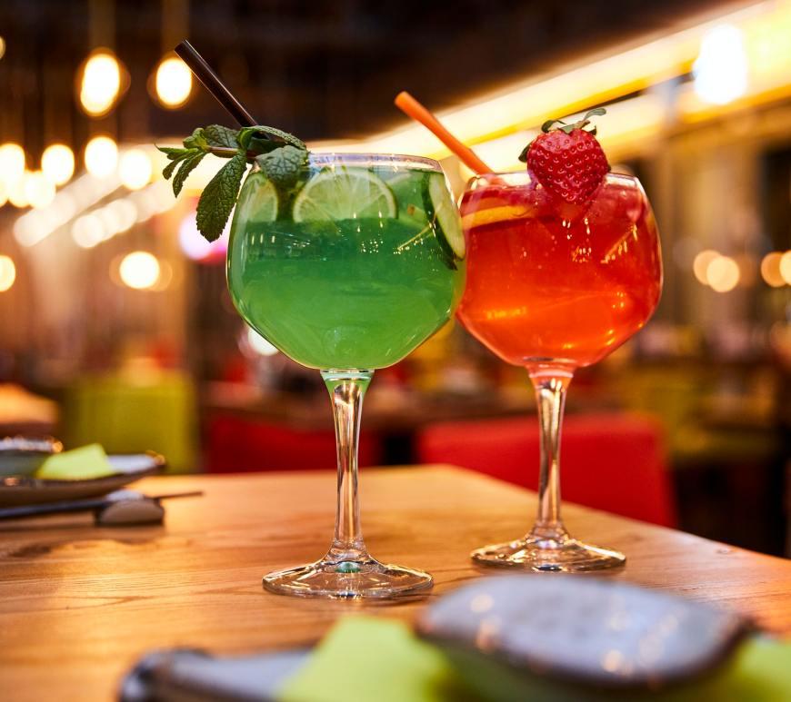 unsplash cocktails on bar