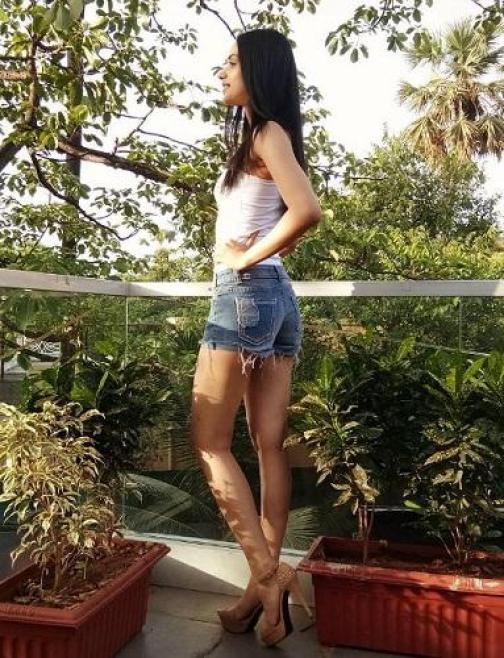 Manushi Chhillar in short hot pant no bikini