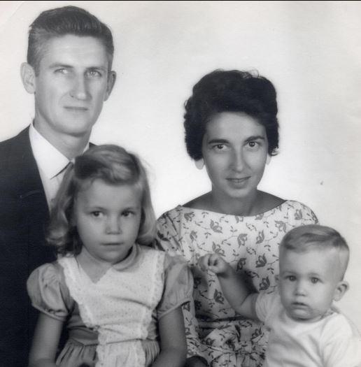 Vanna White family, parents