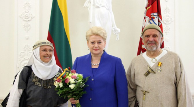 Jonas Trinkūnas, founder of Romuva, receives award from Lithuanian President