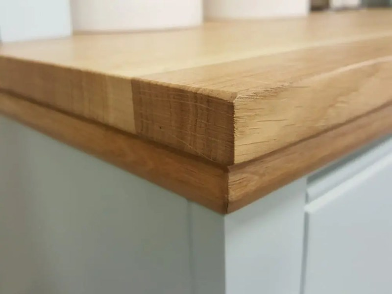 18mm Solid Oak Top with a straight edge and a oak mould underneath
