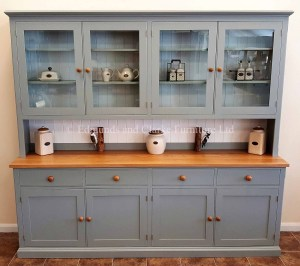 Painted 8ft Half Glazed Dresser. with oak top and matching knobs. glazed doors above