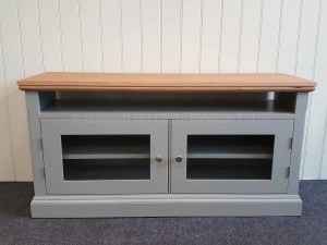 Edmunds Painted Tv Media Base Unit. Available with a rack above for TV