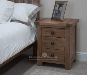 Lavenham solid rustic oak 3 drawer bedside chest. rustic knobs