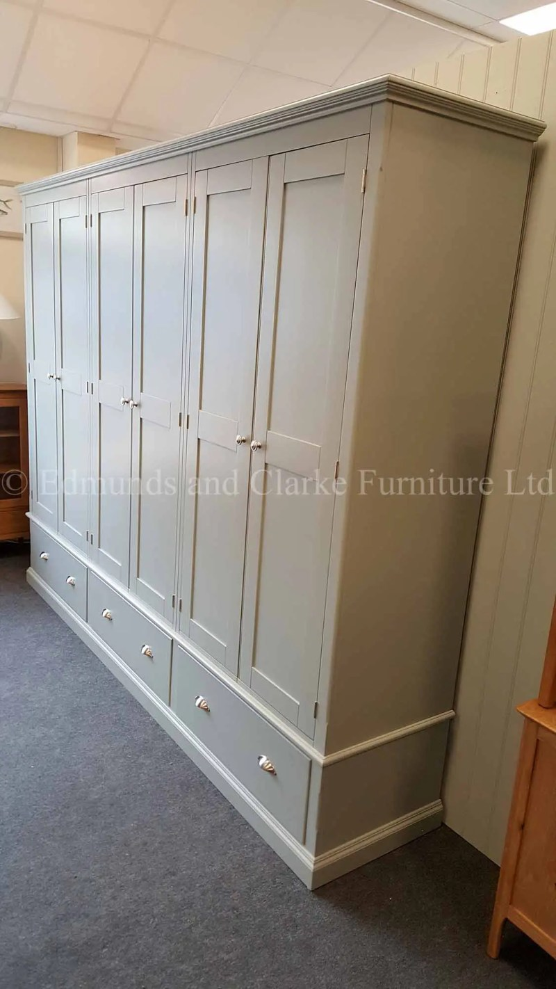 Made to measure six door wardrobe