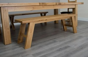 Melford Solid Oak kitchen Bench smooth thick oak top with shaker style legs. matches perfect with our Melford Dining Tables DLXSTB